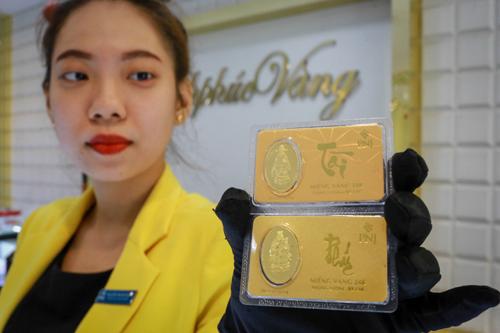 Giá vàng miếng SJC giữ vững trên 37 triệu đồng trong ngày làm việc cuối cùng năm Đinh Dậu. Ảnh: Thành Nguyễn