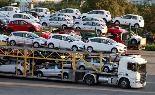 Tháng 2/2018, số lượng ôtô dưới 9 chỗ ngồi nhập khẩu vào Việt Nam giảm đều qua từng tuần.