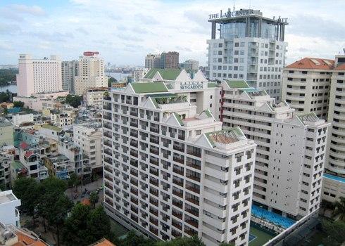 Thị trường căn hộ dịch vụ cho thuê cao cấp tại TP HCM được dự báo có thể bước vào giai đoạn điều chỉnh giá do vấp phải sự cạnh tranh của sản phẩm mới là căn hộ văn phòng officetel. Ảnh: Vũ Lê