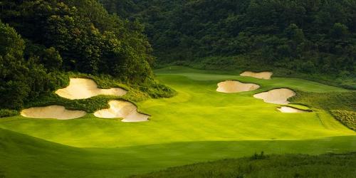 Quần thể nghỉ dưỡng với sân golf 18 hố của FLC tại Quảng Bình