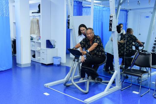 Trị liệu thần kinh cột sống kết hợp vật lý trị liệu, phục hồi chức năng mang lại hiệu quả cao cho nhiều bệnh nhân trong 12 năm qua.