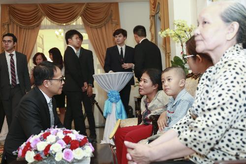 Doanh nghiệp Thái Lan giúp bệnh nhân nghèo mổ mắt miễn phí