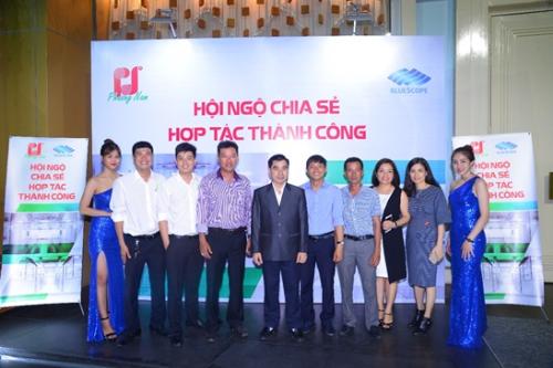 Hàng trăm đốc tác dự hội nghị khách hàng cửa công ty Phương Nam