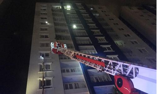 Vụ cháy chung cư Carina có thể làm tăng thêm nhiều áp lực cho thị trường căn hộ. Ảnh: P.V