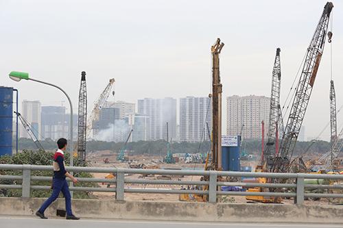 Việc xin cấp phép các thủ tục hành chính của Việt Nam khiến các nhà đầu tư bất động sản nước ngoài rất e ngại. Ảnh: Ngọc Thành