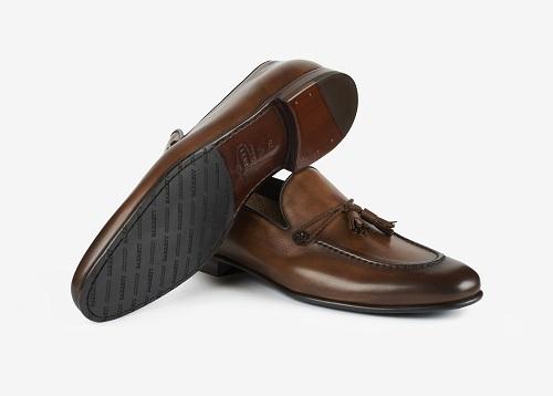 Giày thủ công giá chục triệu đồng cho giới thượng lưu