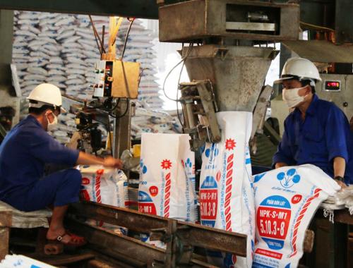 Vụ xuân năm nay, Trung tâm Khuyến nông đã cung ứng hơn 2.742 tấn phân bón trả chậm, trong đó được trợ cước vận chuyển là hơn 1.779 tấn.