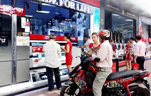 Nguyễn Kim tung nhiều sản phẩm giải nhiệt cho mùa nóng
