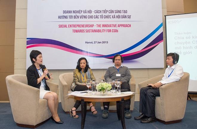 Bà Phạm Kiều Oanh (trái) cho biết số lượng các startup chọn hướng đi khởi nghiệp xã hội ngày càng tăng lên nhưng vẫn cần thêm định hướng, nuôi dưỡng phong trào từ cộng đồng, các tổ chức đồng hành.