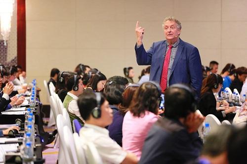 Giáo sư Dave Ulrich chia sẻ bí quyết quản trị nhân sự.