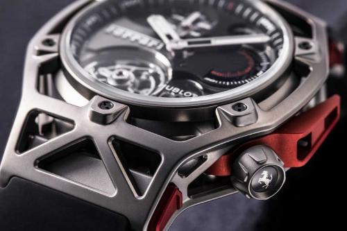Đồng hồ Hublot Techframe - dấu ấn từ thương hiệu siêu xe Ferrari