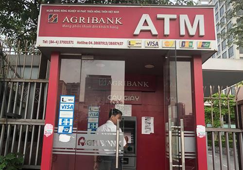Agribank tăng phí dịch vụ