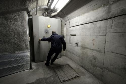 Xapo có một mạng lưới hầm ngầm tại 5 châu lục. Ảnh: AFP