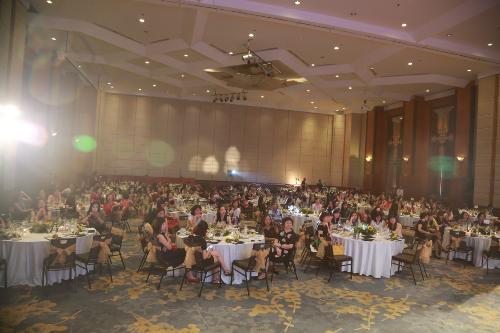 DeAura Việt Nam tri ân 200 khách hàng thân thiết