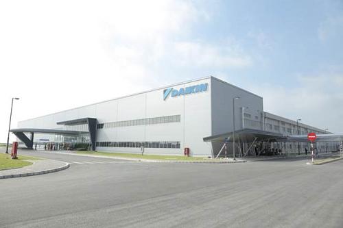 Tập đoàn sản xuất máy điều hòa không khí của Nhật Bản Daikin đã quyết định xây nhà máy tại khu công nghiệp Thăng Long II, tỉnh Hưng Yên, với số vốn đầu tư gần 94 triệu đô la Mỹ.