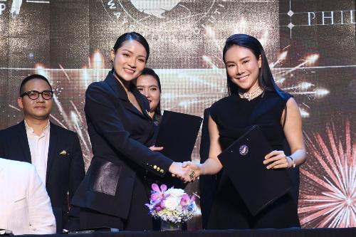 Cheng Bảo Phương và Thủy Top vừa ký thỏa thuận hợp tác trong lễ ra mắt Truyền thông Giải trí T Entertainment.