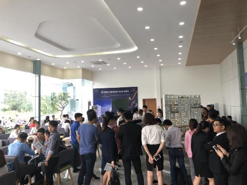 Gần 500 khách hàng tham quan nhà mẫu Marina Riverside