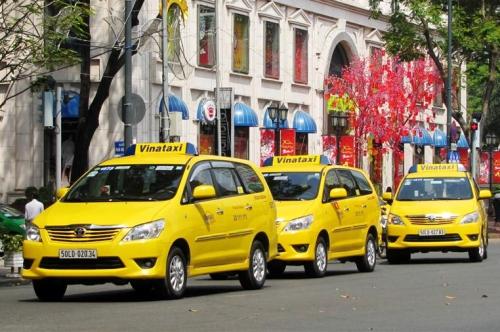 Hai hãng taxi TP HCM muốn sáp nhập để cạnh tranh với Grab