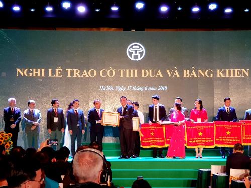 Tân Hoàng Minh nhận bằng khen của Thủ tướng