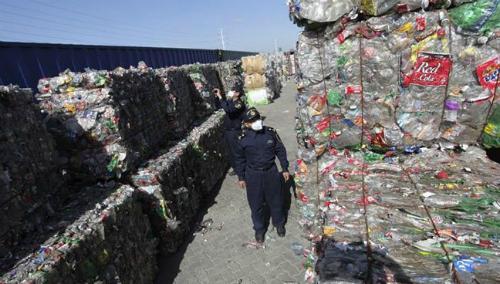 Trung Quốc là quốc gia nhập khẩu phế liệu lớn nhất địa cầu. Ảnh: Reuters.