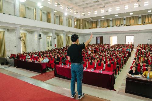 Những buổi chia sẻ đầy tâm huyết được 1 số quý khách sinh viên nhiệt tình đâyn nhận.