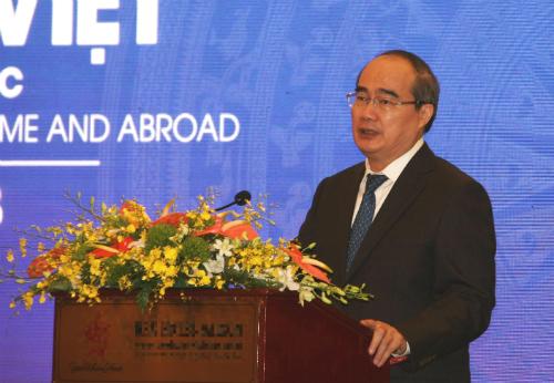 Ông Nguyễn Thiện Nhân phát biểu ở phiên khai mạc Diễn đàn sáng 26/6.