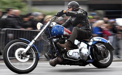 Xe Harley Davidson trong 1 buổi diễu hành ở Đức 1 vàih đó vài ngày. Ảnh: Reuters