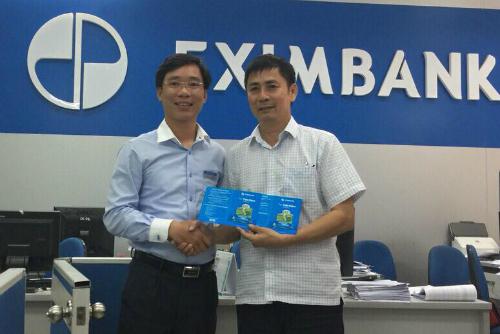 Ông Nguyễn Tiến Nam đã nhận tiền và gửi lại 10 tỷ đồng tiết kiệm ở Eximbank. Ảnh: PV.
