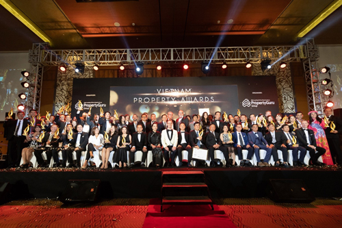 Hãng phát triển bất động sản Gamuda Land (Malaysia) vừa được vinh danh tại Giải thưởng Bất động sản Việt Nam - Vietnam Property Awards 2018. Cụ thể ban tổ chức bình chọn khu phức hợp Celadon City (quận Tân Phú, TP HCM) của chủ đầu tư này là dự án có Thiết kế kiến trúc cảnh quan xuất sắc nhất.