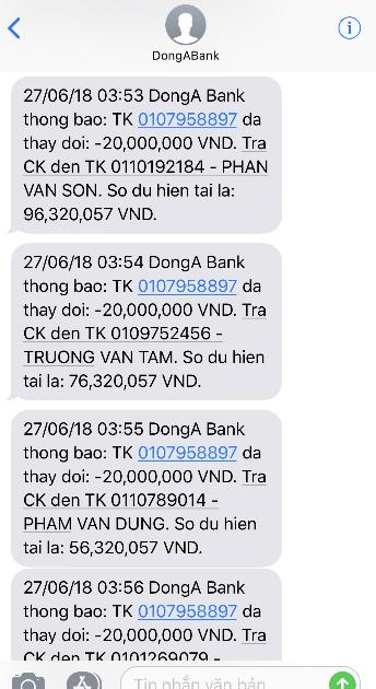 Tin nhắn thông báo chuyển khoản gửi đến số hotline chị Duyên.