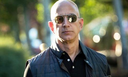 Ông chủ Amazon - Jeff Bezos trong 1 sự kiện năm ngoái. Ảnh: AFP