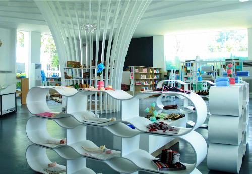 Phòng trưng bày khăn bông rộng 600m2 của Phong Phú.
