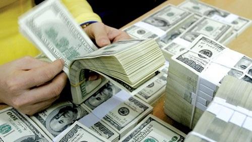 Giá thu đổi ngoại tệ trong hệ thống những ngân hàng vượt mức 23.000 đồng 1 USD.