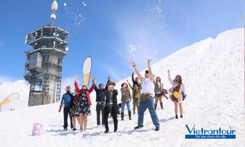 Đoàn khách của Vietrantour tham quan châu Âu.