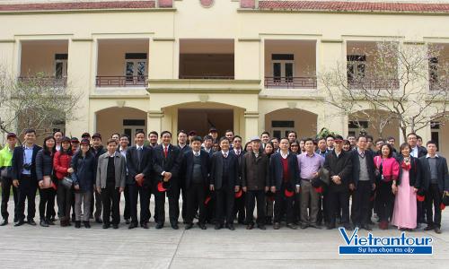 Đoàn khách nội địa của Vietrantour khám phá Khu du tích Đá Chông (Ba Vì, Hà Tây) đầu năm 2018.