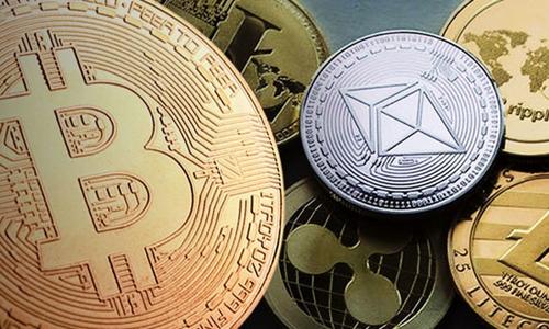 Bitcoin, Ethereum, Ripple hiện là 3 tiền ảo vốn hóa lớn nhất địa cầu. Ảnh: Daily Express