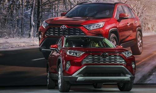Các mẫu xe như RAV4 đang giúp hãng xe Toyota lập kỷ lục doanh số ở Mỹ. Ảnh: AFP