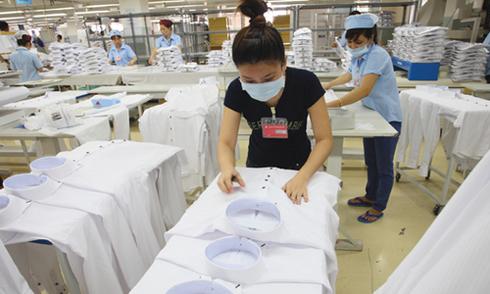 Dây chuyền sản xuất áo sơ mi xuất khẩu sang Mỹ. Ảnh: PV