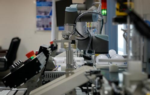 Nhiều chuyên gia cho biết, tự động hóa chỉ là một thành phần trong quá trình hiện đại hóa nhà máy bởi điều quan trọng hơn là việc kết nối tất cả hệ thống đểthu thập và phân tích dữ liệu.