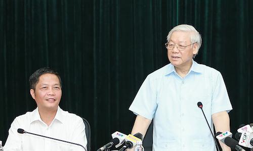 Tổng bí thư Nguyễn Phú Trọng làm việc ở Bộ Công Thương ngày 11/7.