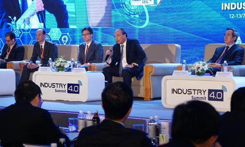 Thủ tướng Nguyễn Xuân Phúc tại Diễn đàn cấp cao về 4.0, tổ chức sáng nay (13/7). Ảnh: Minh Sơn