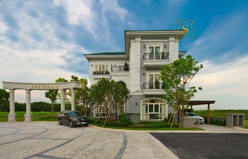 SCC mở bán đợt hai biệt thự Sol Villas