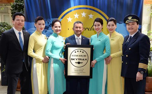Vietnam Airlines năm thứ 3 không ngừng nghỉ nhận chứng chỉ hãng hàng không quốc tế 4 sao của Skytrax.
