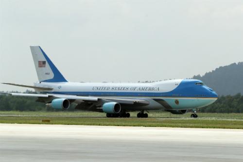Chuyên cơ Air Force One chở ông Donald Trump đến Đà Nẵng để tham dự APEC 2017. Ảnh: Đức Đồng