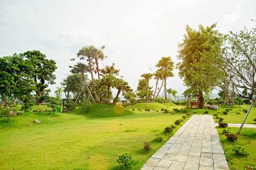Hạ tầng cảnh quan được hoàn thiện song song với thi công biệt thự. Website:http://duanphucatcity.vn/. Hotline: 1900 588 886