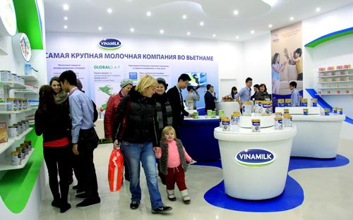 Sữa đặc, sữa bột và sữa chua là 1 vài dòng sản xuất khẩu chiến lược của Vinamilk.