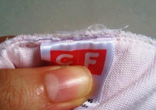 Chuỗi siêu thị Con Cưng bị nghi thay đổi nhãn mác sản phẩm