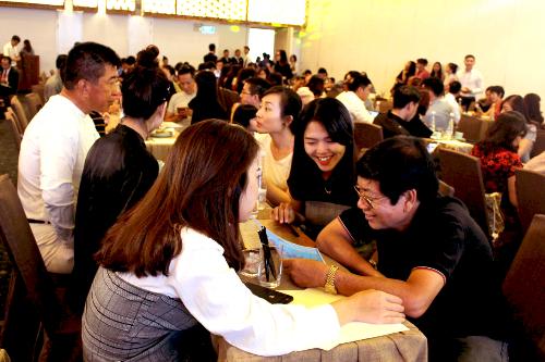 Đội ngũ chuyên viên giải đáp chuyên nghiệp của SmartRealtors luôn có đến cho khách mua sự chọn lọc tốt nhất.