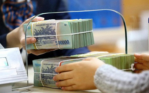 Các khoản thu ngoài lãi càng ngày càng đâyng góp lớn hơn vào lợi nhuận của 1 vài ngân hàng.
