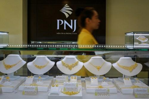 Giá vàng miếng trong nước hiện cao hơn địa cầu 2,5 triệu đồng.